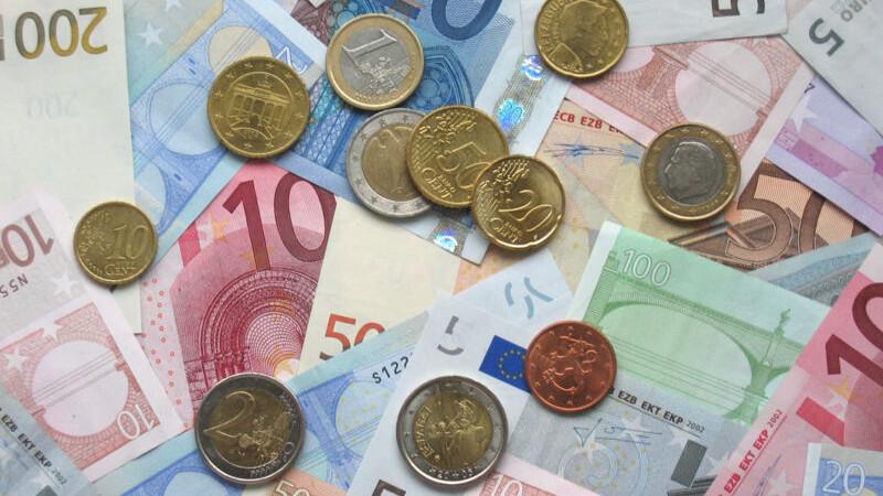 Echilibru: cursul leu/euro se va stabiliza