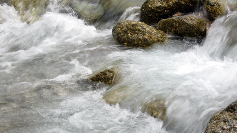 apa curgatore