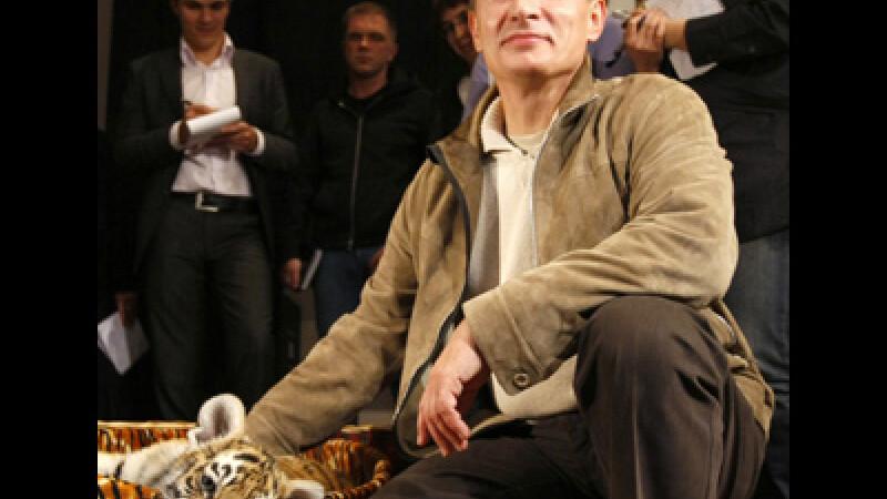 Putin a primit cadou un pui de tigru