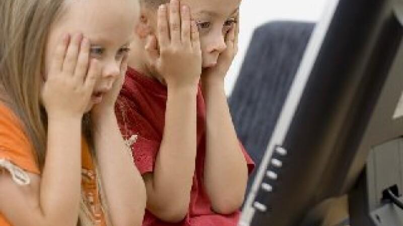 Copiii, victimele pornografiei de pe internet