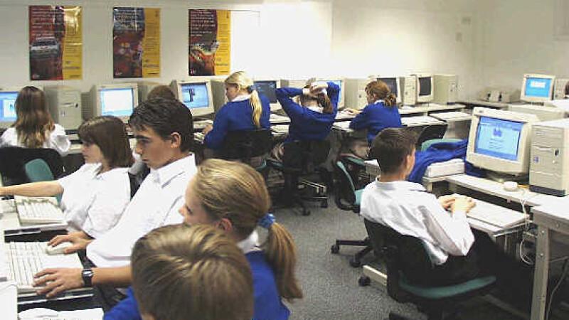 Marea Britanie: Elevii neastamparati? Ii trimitem la inchisoare!
