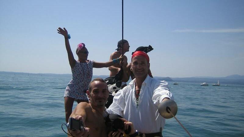 Piratii au intrat la apa, in Florida, la Festivalul Corsarilor!