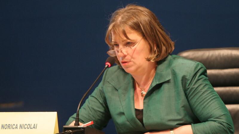"""Norica Nicolai, către Guy Verhofstadt şi Manfred Weber: """"Dați ordine de la Bruxelles"""""""