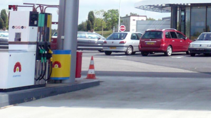 Angajatul benzinariei s-a facut nevazut cu 60.000 de lei