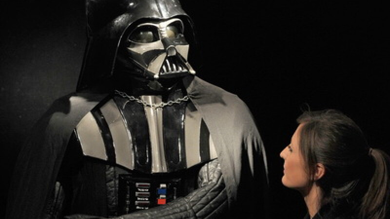 Costumul lui Darth Vader, scos la licitatie
