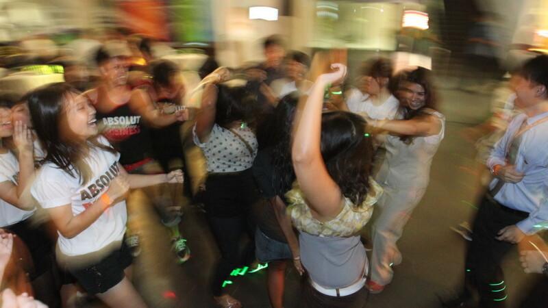 """Tribut Bob Marley, vodka gratis pentru fete sau """"Destresiune"""".Toate isi fac loc in cluburi"""