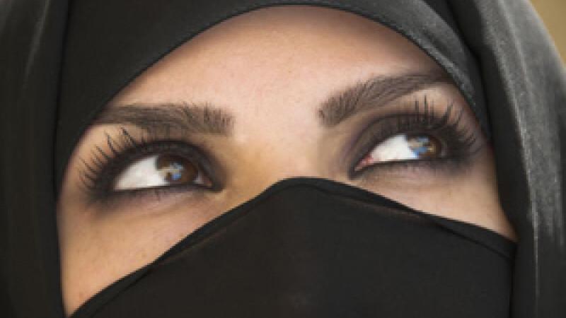 femeie afgana