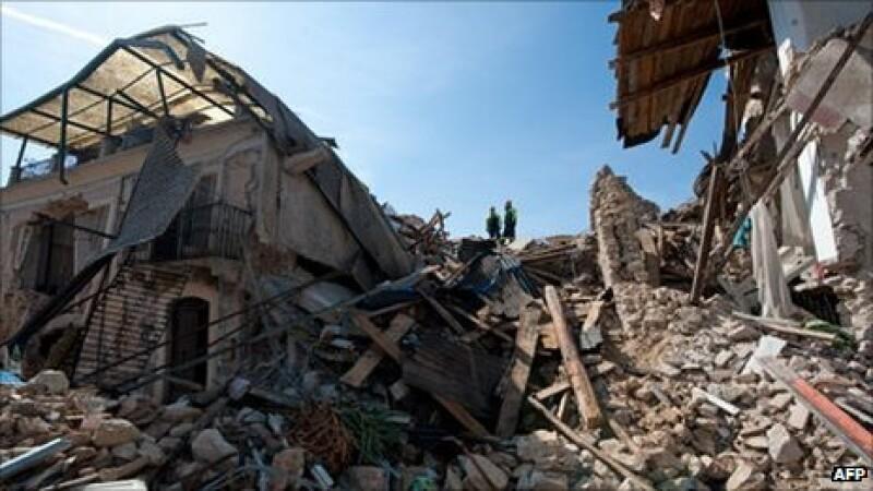 cutremur, ruine, Aquila, Italia