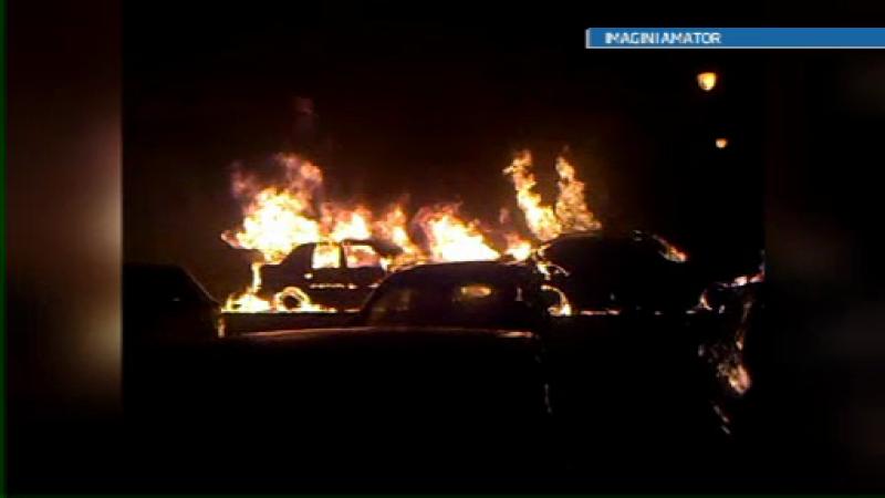 Cinci masini de cateva zeci de mii de euro au ars la Constanta. Pompierii au luptat 2 ore cu focul