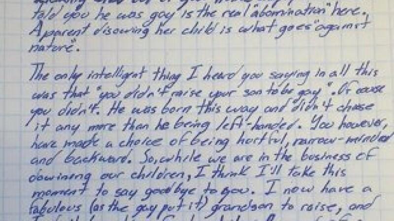 Si-a dezmostenit fiica homofoba intr-o scrisoare. \