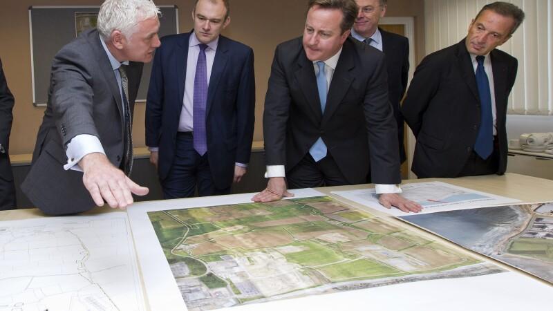 David Cameron (centru)