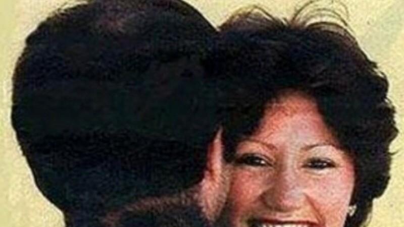 Cum arata sotul acestei femei. De 40 de ani, e una dintre imaginile care cuceresc internetul