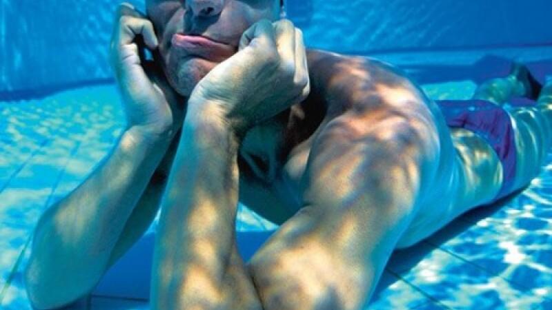 Un danez si-a batut propriul record dupa ce si-a tinut respiratia sub apa timp de 22 de minute