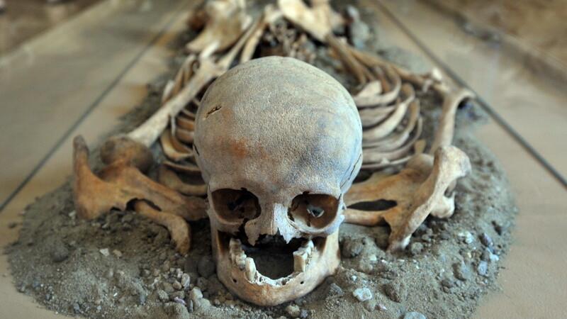 Descoperire terifianta la granita cu Romania. Ce a gasit un arheolog in mormantul unui barbat: nu e primul caz de acest fel