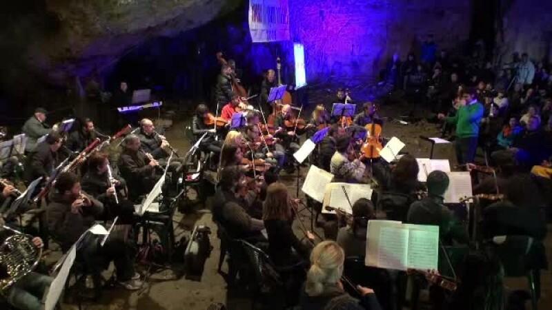 Filarmonica Banatului in Pestera Romanesti - STIRI