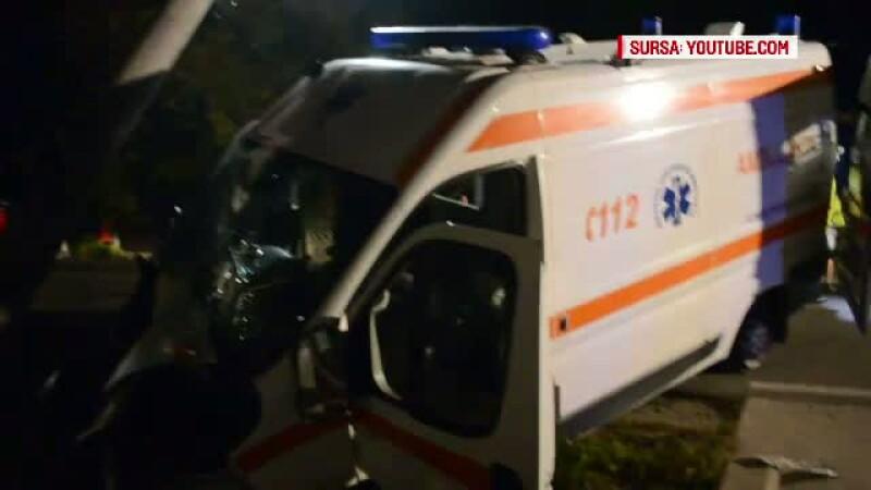 O fetita de 12 ani din Vaslui a murit dupa ce a intrat cu sania intr-un stalp de electricitate si s-a lovit la cap