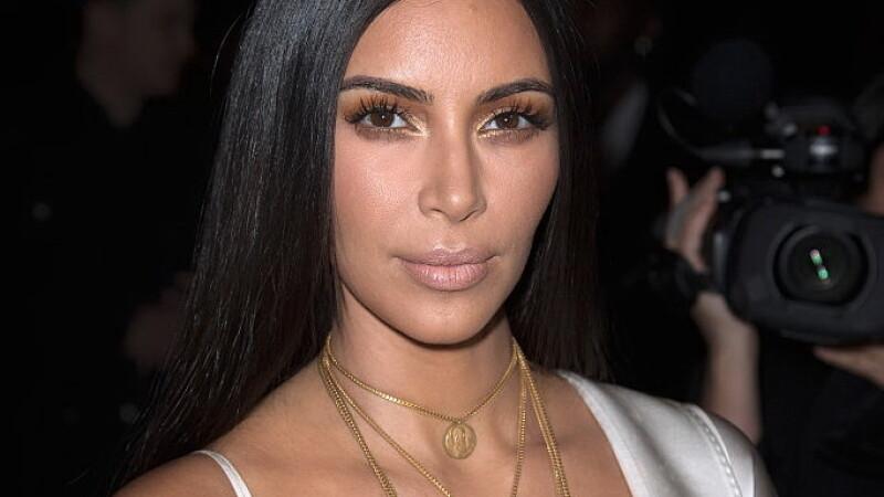 Primele imagini cu hotii care au jefuit-o pe Kim Kardashian. Momentul in care fug cu bjiuteriile, surprins de camere. VIDEO