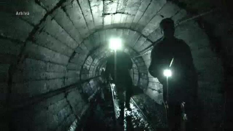 Surpare la Mina Lupeni; 3 mineri, prinşi în subteran. Salvatorii au ajuns la doi dintre ei