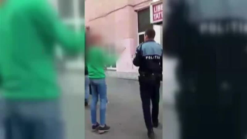Femeie din Bacău, agresată și amendată pentru că a vrut să ajute un cățel