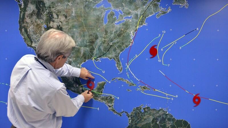meteorologii americani urmaresc evolutia uraganului nate