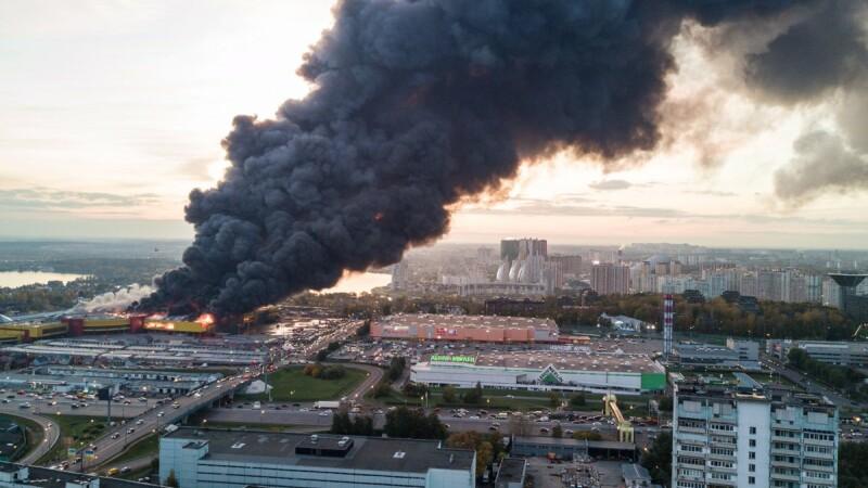 Incendiu în Moscova: 3000 de persoane, evacuate