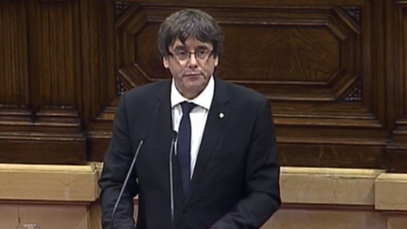 Liderul Cataloniei a propus Parlamentului suspendarea declarării independenței