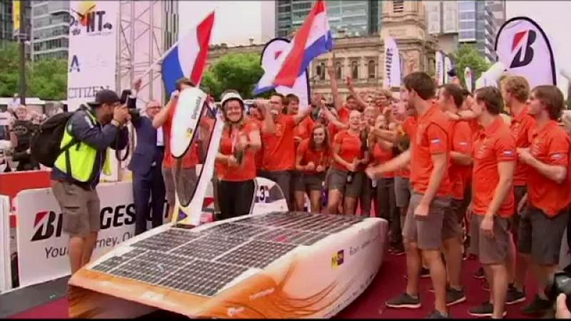 Olandezii au câștigat pentru a șaptea oară un raliu, cu o mașină solară