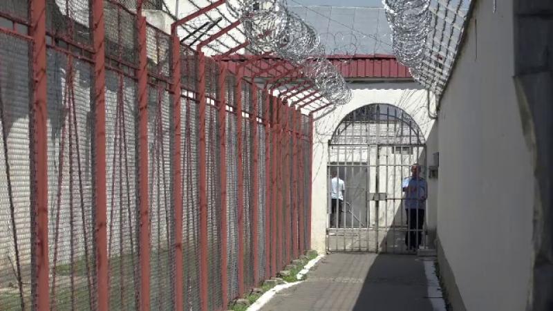Proiect: Deţinuţii fără recurs compensatoriu să primească 5 lei pe zi despăgubiri