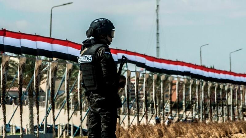 Atac armat asupra unei biserici creştine din Cairo, 9 oameni au fost ucişi