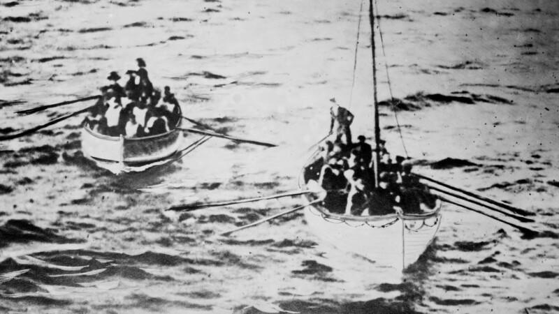 supravietuitori de pe Titanic in barcile de salvare