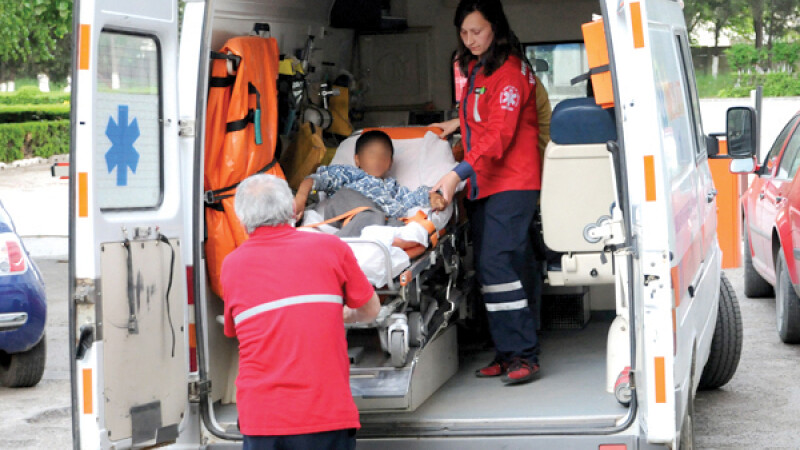 Accident grav în Hârşova, doi copii au fost răniţi