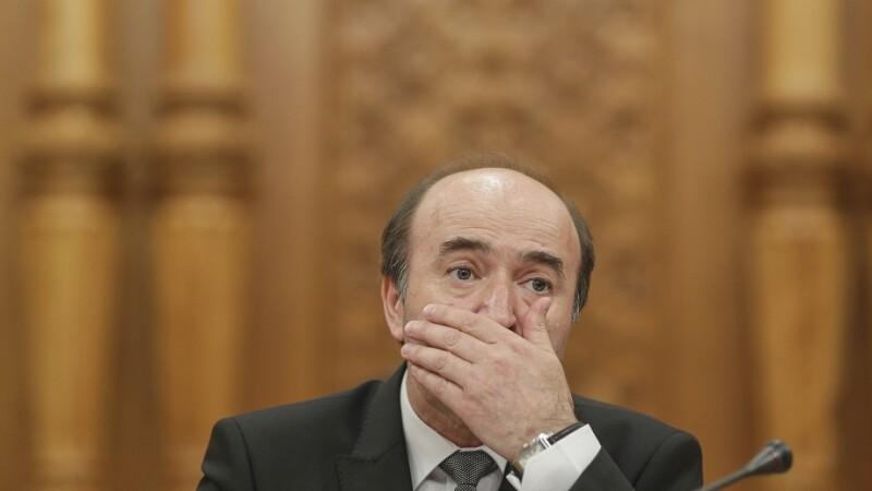 """Ministrul Toader vrea pedepsirea abuzului în serviciu numai dacă funcționarul """"obține un folos patrimonial"""""""