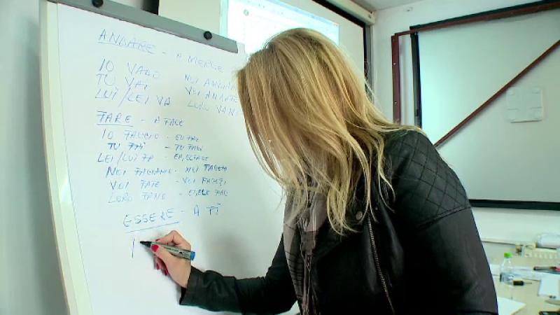 Şomerii români învaţă limbi străine pe banii statului ca să plece în afară, în vreme ce în țară e criză