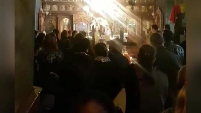 Preotul care a pus pauză la înmormântare pentru a îndemna oamenii să meargă la referendum