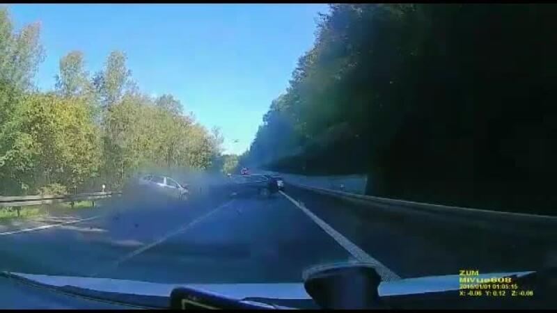 Un şofer nevinovat a murit din cauza unei întreceri între proprietari de maşini de lux