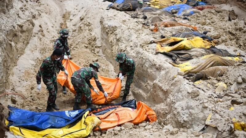 Tsunami în Indonezia. Bilanțul morților a crescut la 1.347. Supraviețuitorii nu mai au apă și mâncare