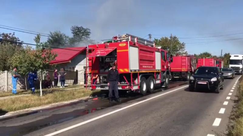 Cum a luat foc o casă renovată cu banii trimişi de un cuplu care lucrează în Spania