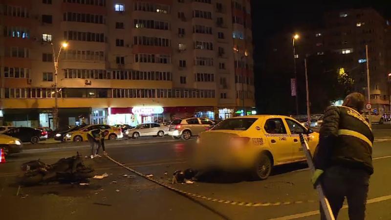 Impact violent pe o șosea din Sectorul 2 al Capitalei. Doi tineri, aflaţi pe o motocicletă, au ajuns la spital