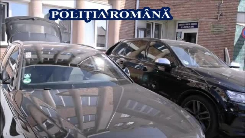 Două mașini de lux, confiscate de polițiștii din Alba. Ce s-a descoperit la control
