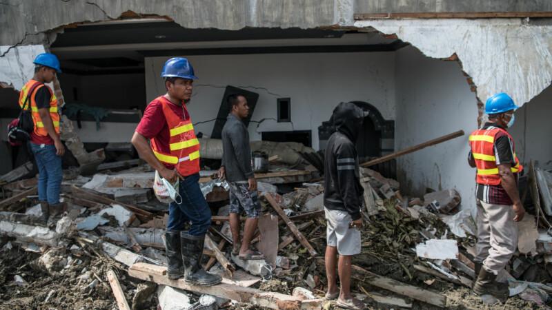 Nou bilanț al tragediei din Indonezia. Sunt 1.763 de morți. 5.000 de persoane, date dispărute