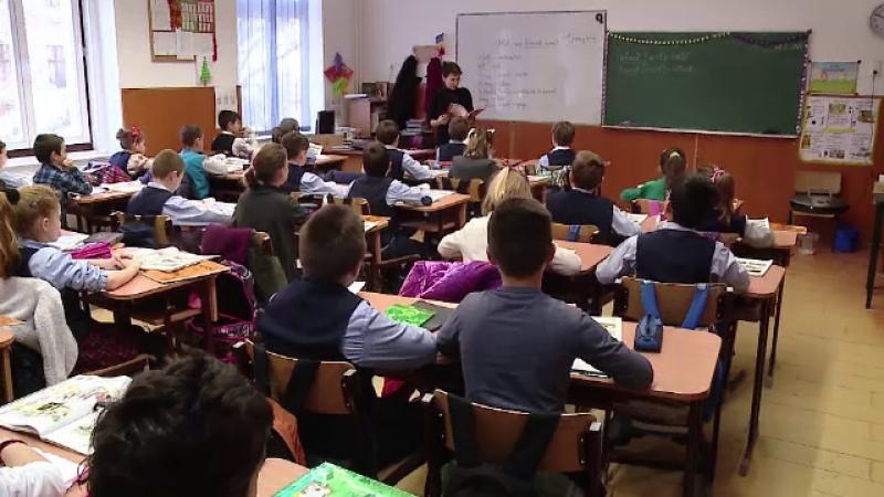 Profesorii nu mai au voie să facă meditații cu elevii de la clasă. Decizia a apărut în Monitorul Oficial