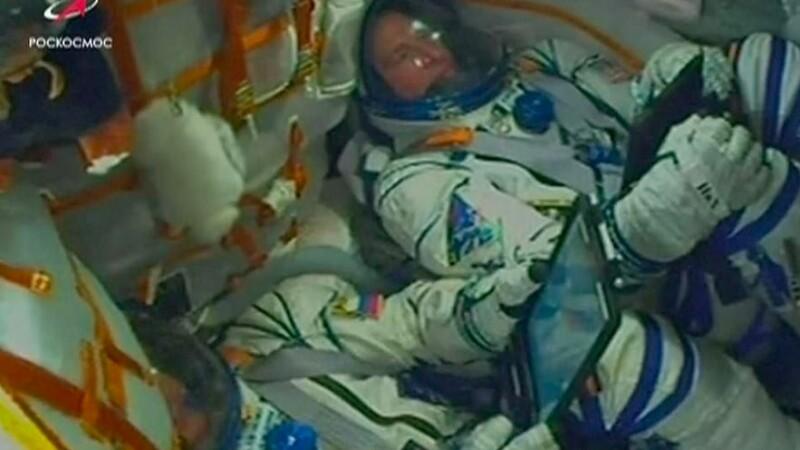 Reacția astronauților în capsulă în momentul producerii defecțiunii la racheta Soyuz. VIDEO