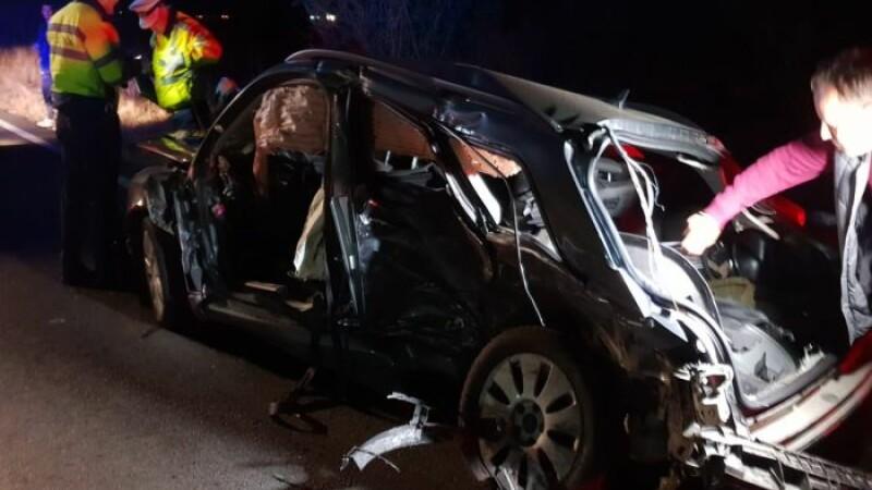 Accident cu 2 morți, inclusiv o fetiță. Șoferul vinovat ar fi făcut LIVE pe Facebook. VIDEO