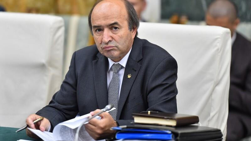 Tudorel Toader, ministrul Justitiei, participa la sedinta de Guvern desfasurata la Palatul Victoria.