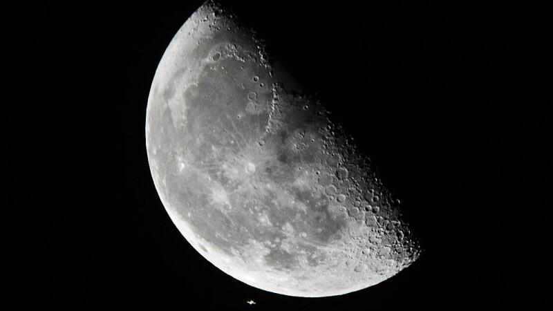 Ce a observat NASA într-o imagine surprinsă pe Lună