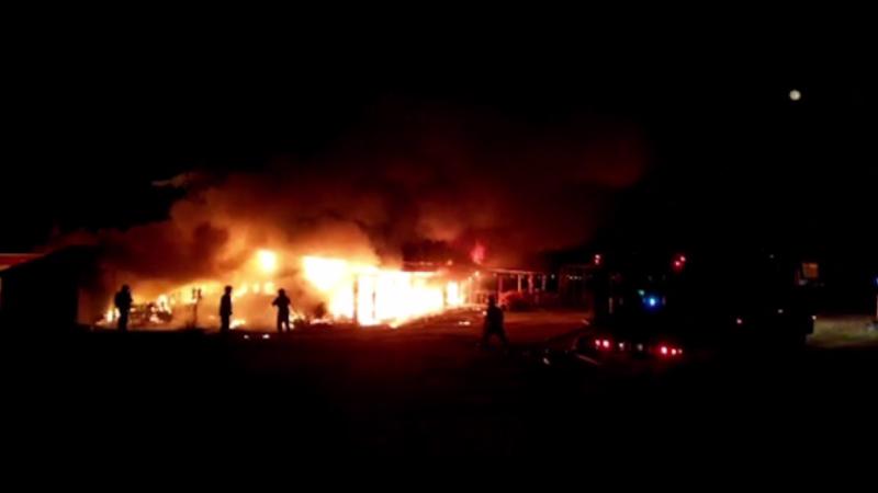 Întreaga gospodărie a unei familii, distrusă de un incendiu devastator