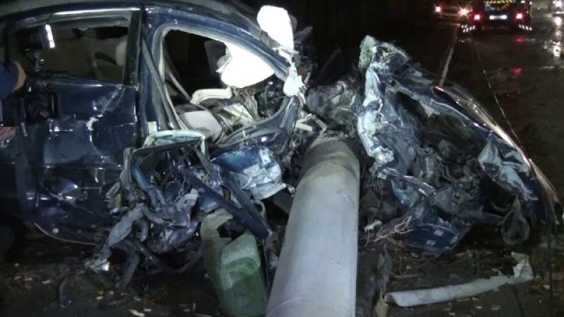 Accident teribil în Suceava: mașina a luat foc. Martorii sunt uimiți că pasagerii trăiesc