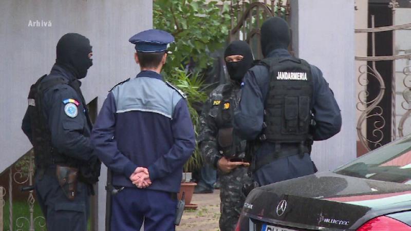 Români acuzați de crimă în Elveția, după gratii. L-au lăsat să moară după ce l-au jefuit