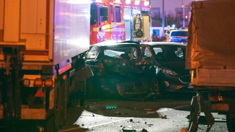 Posibil atac terorist în Germania. A furat un camion și a intrat cu el în mulțime