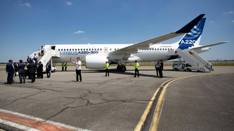 Zeci de avioane Airbus oprite la sol